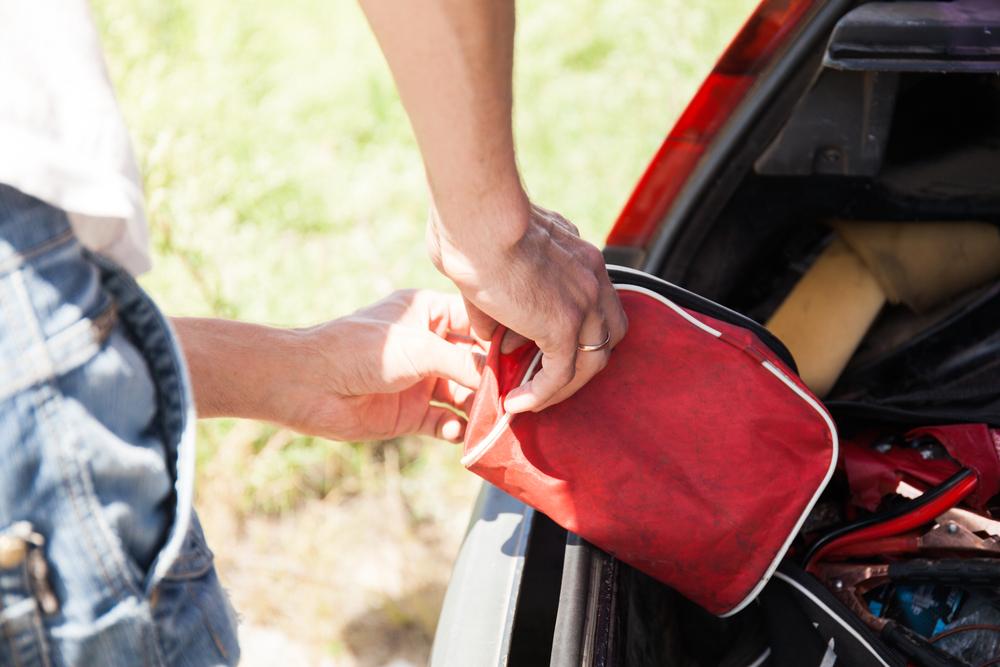 Twoja samochodowa apteczka – czy masz w niej wszystko?